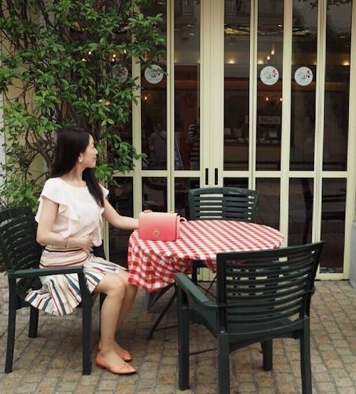 清楚な日本の素人美女のフェラ画像 2