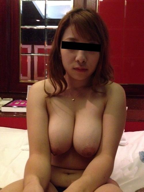 爆乳なガールフレンドをホテルで撮影したプライベートヌード画像 3