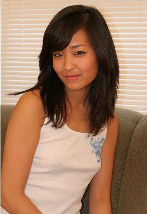 褐色肌のアジアン素人美女のヌード画像 1
