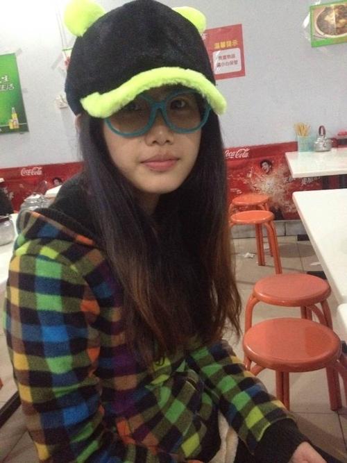 中国の素人少女の自分撮りヌードや彼氏とセックスしてる画像が流出 4