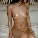 美乳な韓国素人美少女のヌード画像
