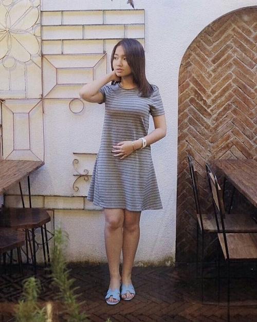 巨乳なインドネシアの素人美少女の自分撮りヌード画像 2