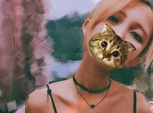 美乳なギャル系素人美女の自分撮りヌード画像 16