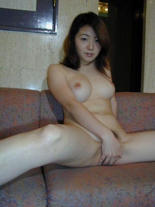 美巨乳な日本の美人妻を撮影したヌード画像 7