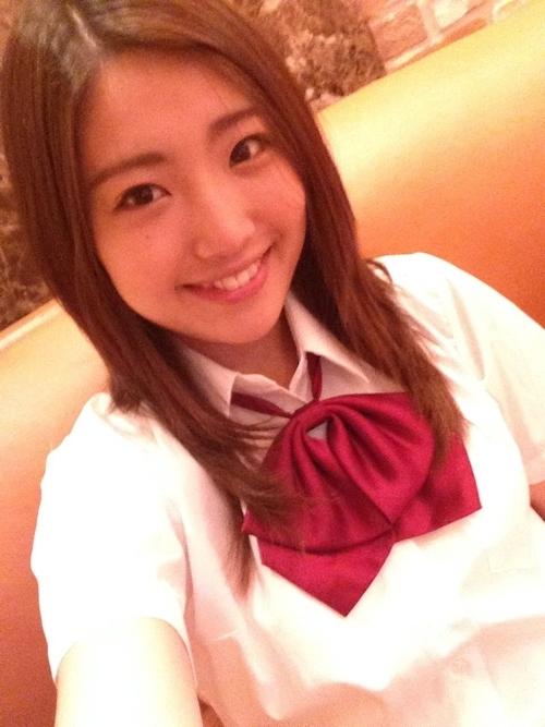 JKコスした日本の素人美少女のおっぱい画像 11