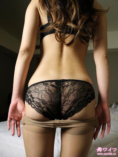 長身&Fカップ巨乳な30歳美人妻のセックス画像 2