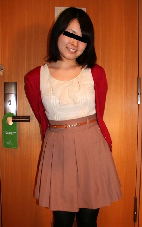 ホテルで撮影した日本の素人美女のヌード画像 1