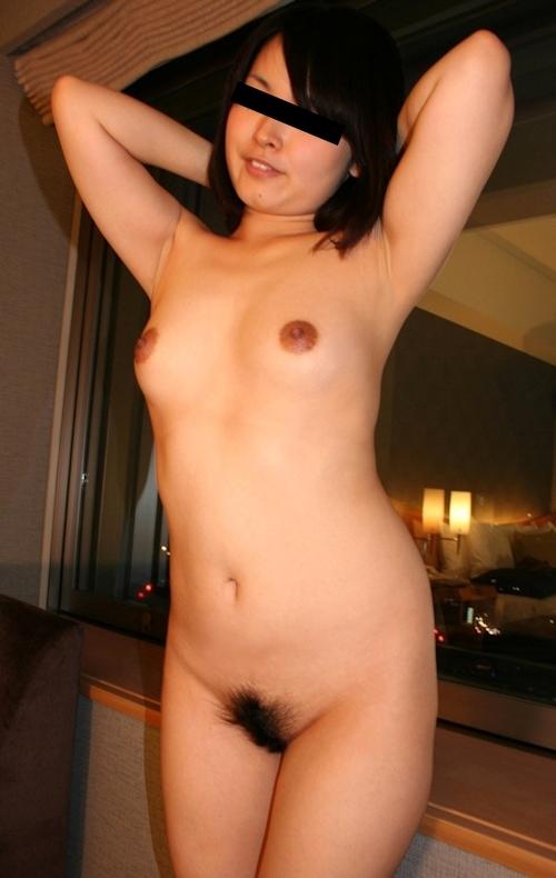 ホテルで撮影した日本の素人美女のヌード画像 4