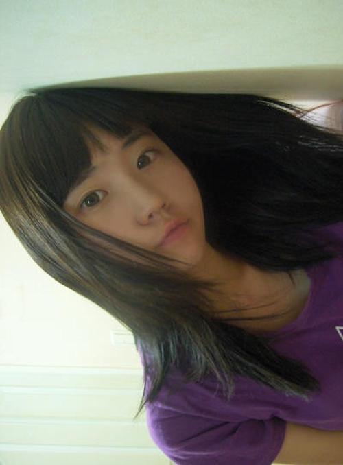 韓国素人美少女の自分撮り流出ヌード画像 1