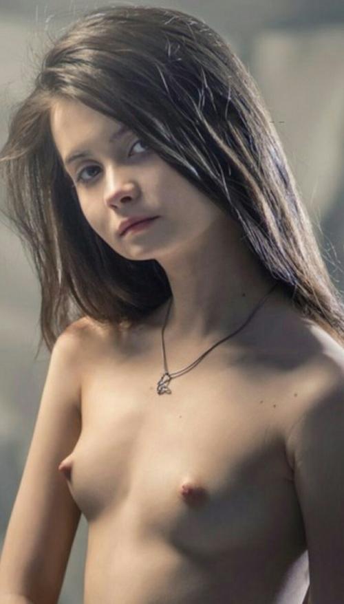 西洋美少女のヌード画像 4