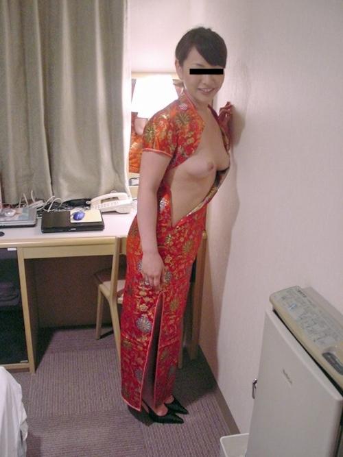 素人美女がホテルでコスプレしながら撮影したヌード画像 4