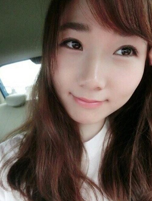 21歳の中国素人美女のプライベートヌード画像が流出 1