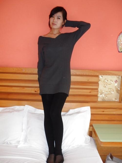 中国のガールフレンドをホテルで撮影したヌード画像 2
