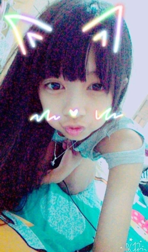 アイドル級にカワイイアジアン美少女の自分撮りヌード画像 1