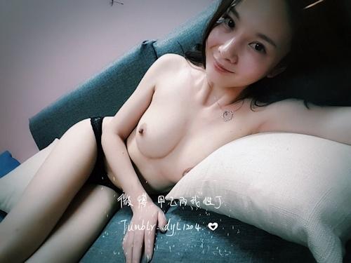 美乳な中国美女 丁丁(DingDing) の自分撮りヌード画像 6