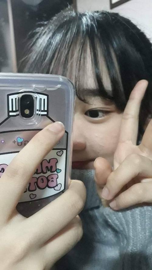 巨乳な韓国素人美少女の自分撮りヌード画像 2