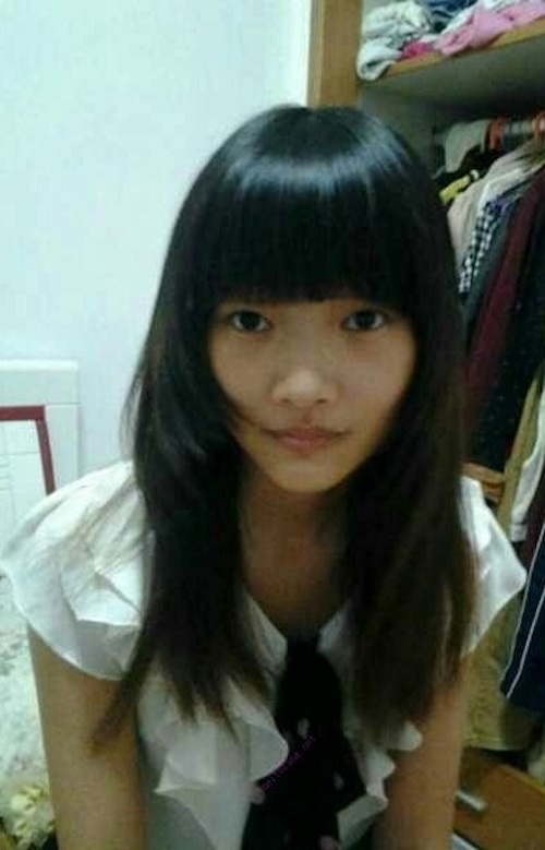 美乳なアジアン美少女のプライベートヌード画像 1