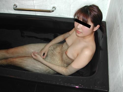 日本の素人美女がラブホで撮影された流出ヌード画像 3