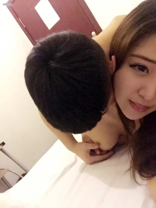 中国の美人女子大生のプライベートヌード画像が大量流出 16