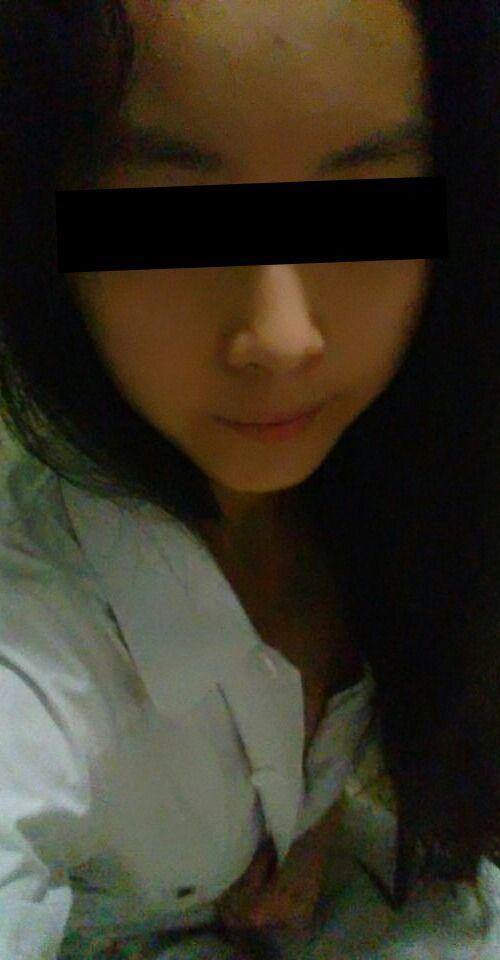 微乳な18歳アジアン美少女の自分撮りヌード画像 1