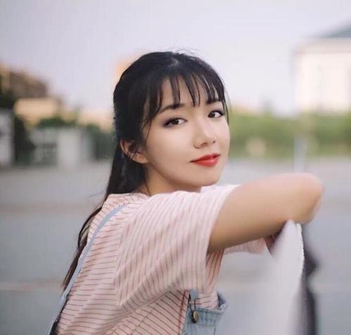 中国の美乳な素人美女が自分撮りしたヌード画像が流出 1