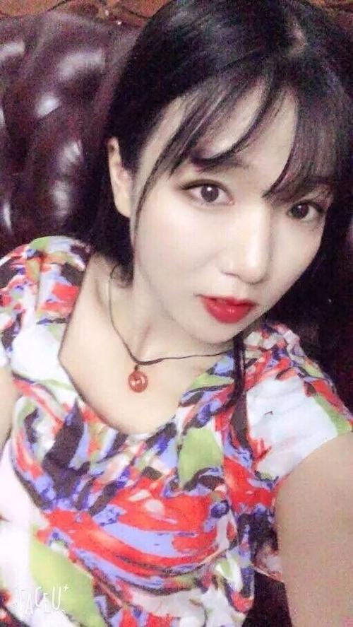 中国の美乳な素人美女が自分撮りしたヌード画像が流出 4