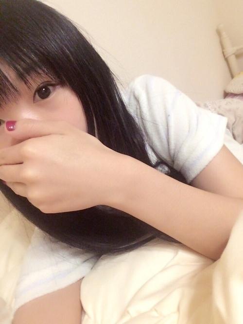 日本の25歳美少女OLの自分撮りヌード画像 2