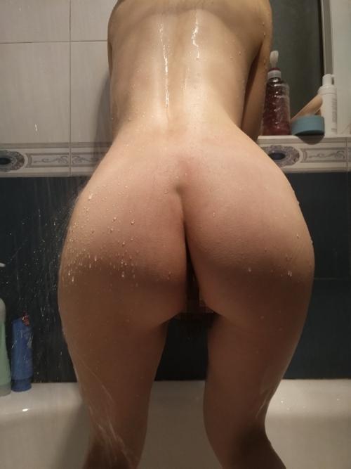 美乳な中国の素人人妻の入浴ヌード画像 2
