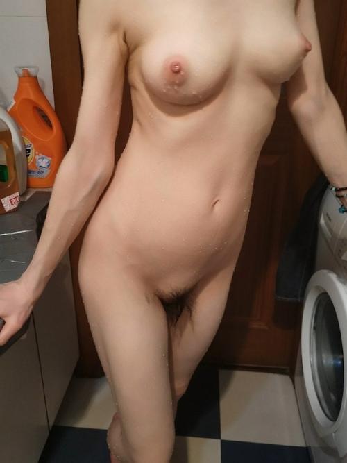 美乳な中国の素人人妻の入浴ヌード画像 3