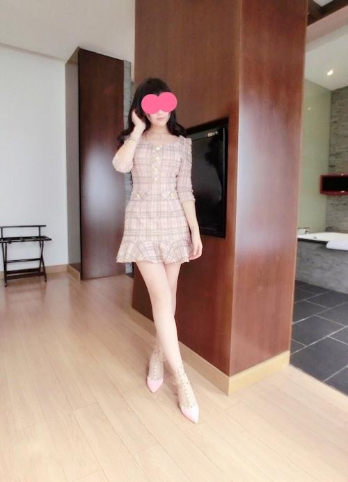 童顔巨乳な中国美女の自分撮りヌード画像 2