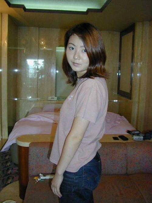 美乳な素人美女をホテルで撮影したヌード画像 1