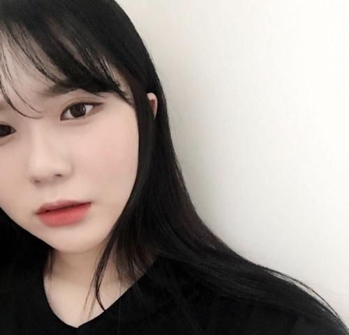 韓国の22歳素人美女が熟睡ヌード画像 1