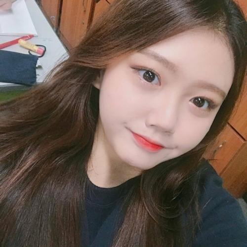 キュートな韓国の20歳素人美少女のプライベートヌード流出画像 4
