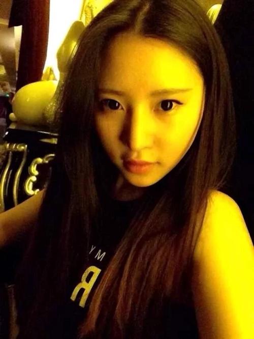 美乳な中国の美人女子大生のヌード&フェラ流出画像 2