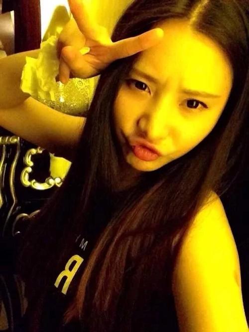 美乳な中国の美人女子大生のヌード&フェラ流出画像 3