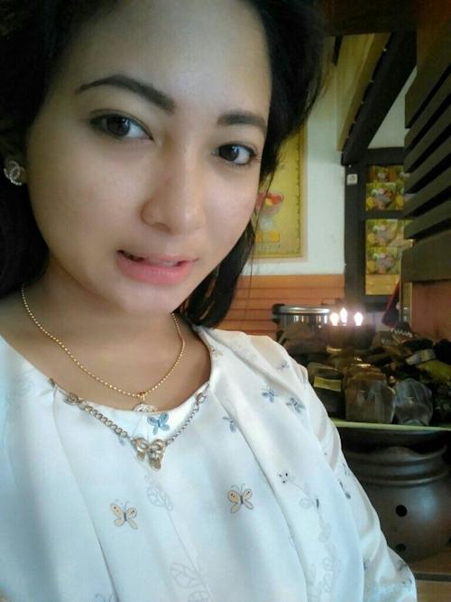 東南アジアの素人美女の自分撮りヌード画像が流出 2