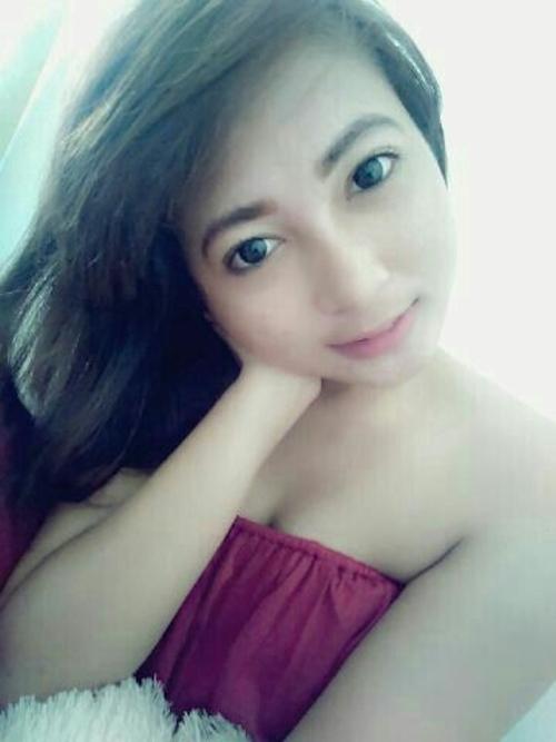 東南アジアの素人美女の自分撮りヌード画像が流出 5