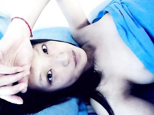 中国の美人キャスターの自分撮りヌード画像が流出 10