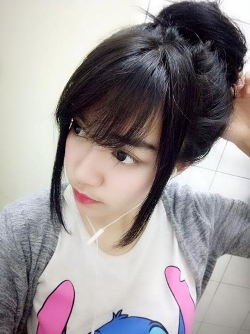 黒髪の清楚な東南アジア美少女が脱いだら巨乳輪どエロおっぱいだった自分撮りヌード画像 2