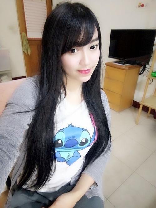 黒髪の清楚な東南アジア美少女が脱いだら巨乳輪どエロおっぱいだった自分撮りヌード画像 3