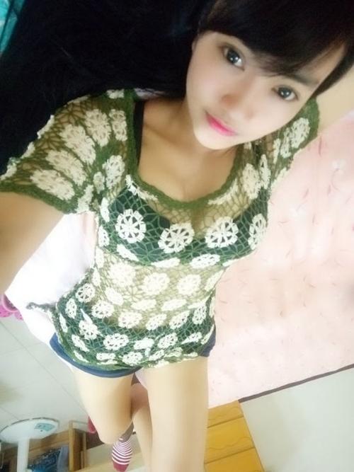 黒髪の清楚な東南アジア美少女が脱いだら巨乳輪どエロおっぱいだった自分撮りヌード画像 7