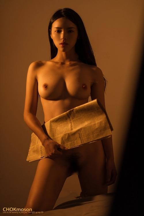 美乳なアジアンビューティモデルのヌード画像 2
