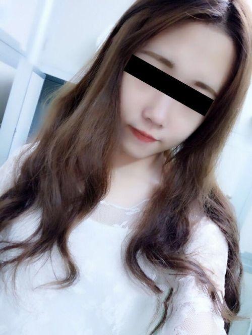 裸ローン(ヌードローン)で流出した19歳美微乳素人美少女のヌード画像 3