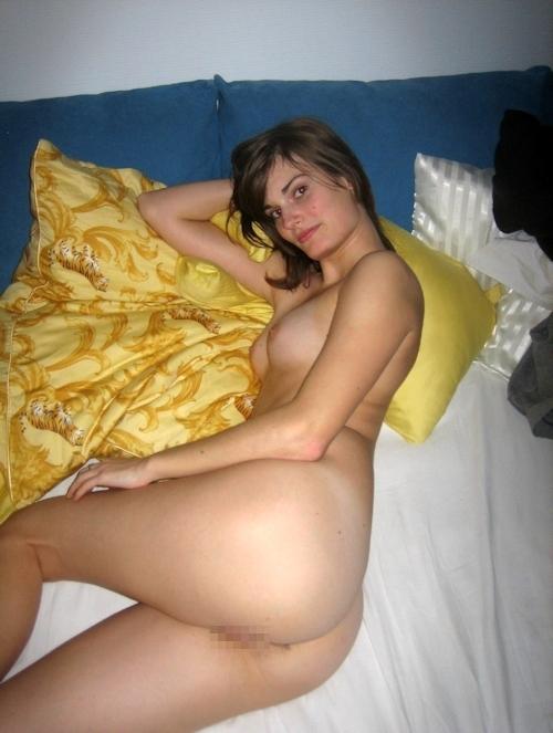 美微乳なガールフレンドを撮影した西洋素人美女の流出ヌード画像 7