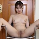 中国美少女のM字開脚ヌード画像