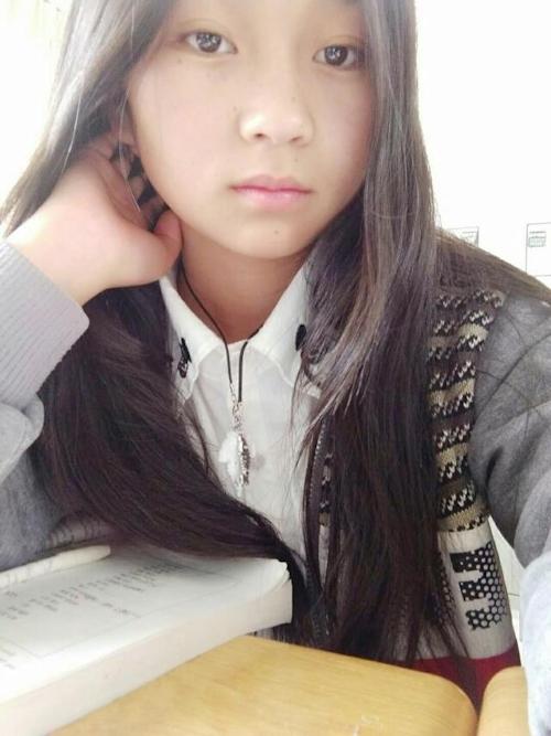 Cカップ美微乳な中国素人美少女の自分撮りヌード画像が流出 1
