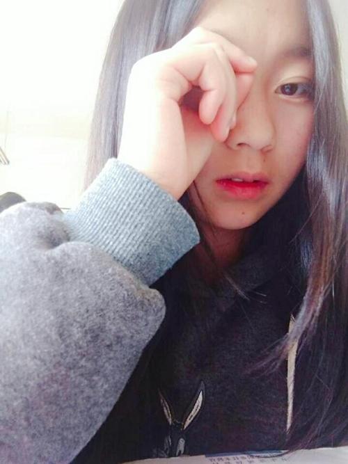 Cカップ美微乳な中国素人美少女の自分撮りヌード画像が流出 2