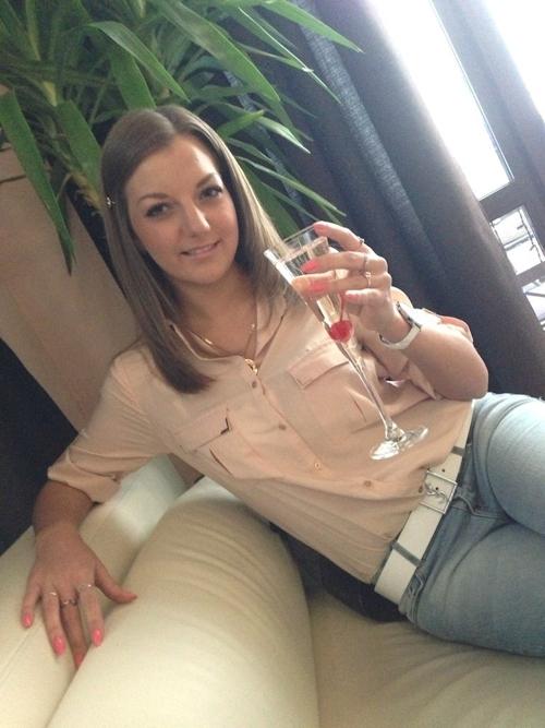 マ○コから身分証明書まで晒してるロシアの28歳素人美女の自分撮りヌード画像 1