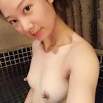 スレンダー微乳な中国美人若妻の自分撮りヌード流出画像