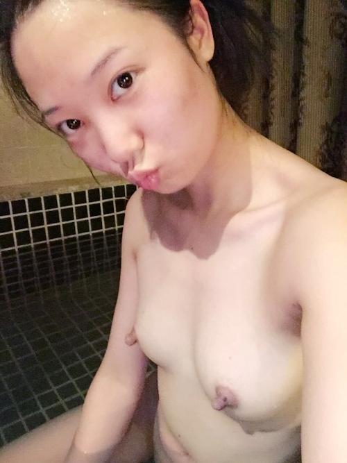 中国の美人若妻の自分撮りヌード流出画像 5